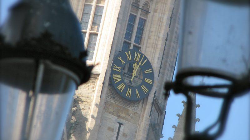 clock daylight saving time