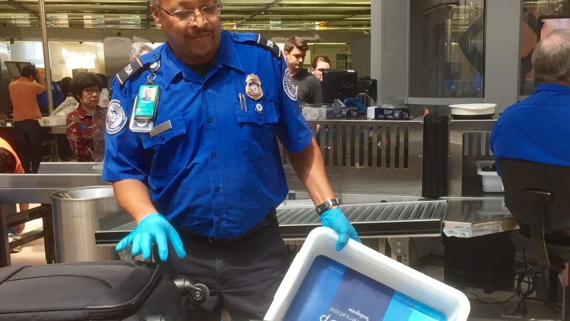 Thanksgiving Travel TSA checkpoint1-courtesyTSA